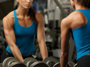 woman-and-weights